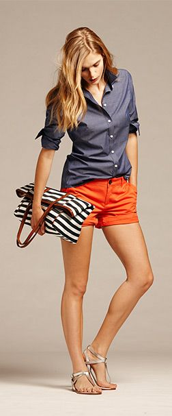 Chambray with colored shorts & striped bag...love this look! #Summerstyle #springstyle #springtosummer