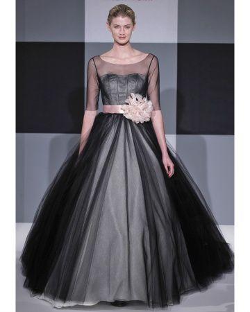 Issac Mizrahi Wedding Dress...... Beautiful! Too bad I have no where to wear it!!