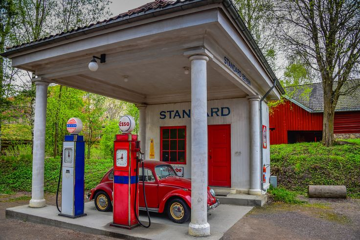 https://flic.kr/p/UY4UyL | Standard Oil gas station of 1928 relocated from Holmestrand at Norsk Folkemuseum - Oslo Norway | Standard Oil gas station of 1928 relocated from Holmestrand at Norsk Folkemuseum - Oslo Norway