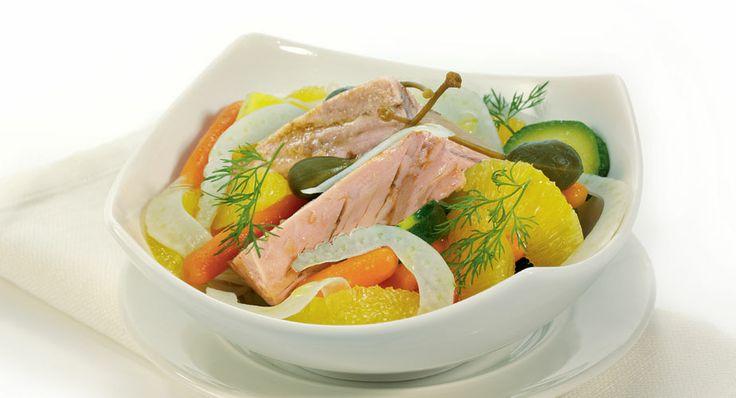 Insalata di tonno e verdure all'arancia