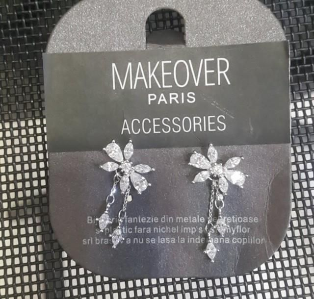 Bowtie flowery earrings. Makeover Paris, produse, cosmetice, bijuterii. #jewelry #jewels #fashion #gems #accessories #beautiful #stylish