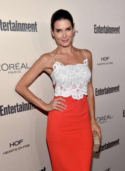 Angie Harmon Photos - Actress Angie Harmon attends the 2015 Entertainment Weekly Pre-Emmy Party at Fig & Olive Melrose Place on September 18, 2015 in West Hollywood, California. - 2015 Entertainment Weekly Pre-Emmy Party - Red Carpet