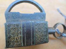 VERY ANTIQUE DOOR PADLOCK LOCK WITH KEY VERY RARE CAST IRON XVIII C. LOCKSMITH