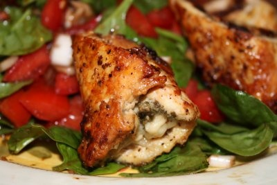 Pesto Chicken Rolls with Chopped Tomato and Spinach Salad