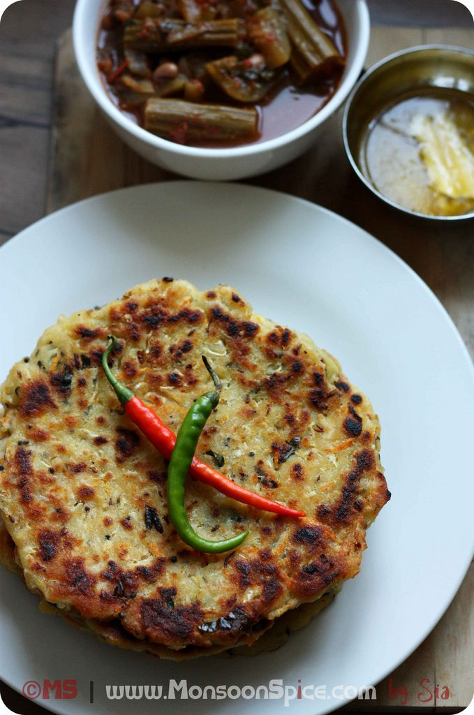 Cabbage Akki Rotti (Indian flat bread made using rice flour and shredded cabbage)
