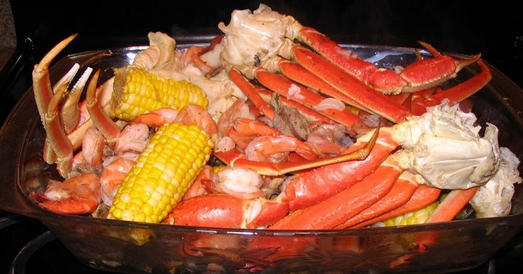 We try to do this for our New Years Eve dinner each year.   Shrimp and Crab Boil Recipe  2 pounds snow crab legs  1 pound uncooked shrimp...