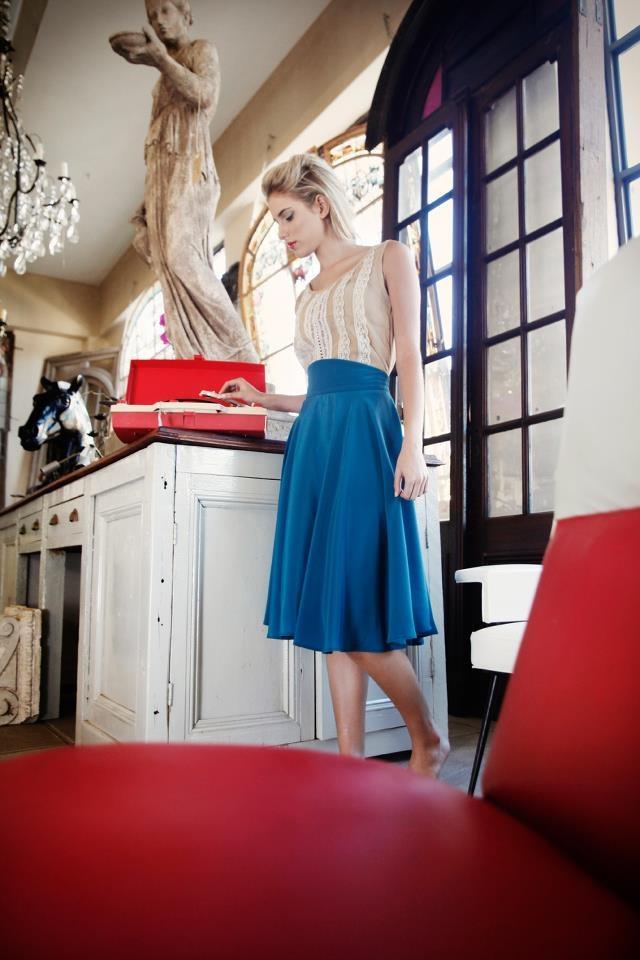 Pretty in a highwaist teal skirt