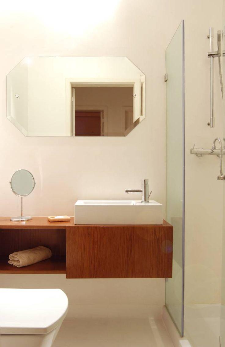 Remodelação T4 . Bairro de Alvalade, Lisboa: Casas de banho ecléticas por BL Design Arquitectura e Interiores
