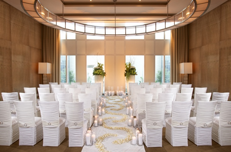 Modern wedding venues at mandarin oriental las vegas for Las vegas wedding reception packages