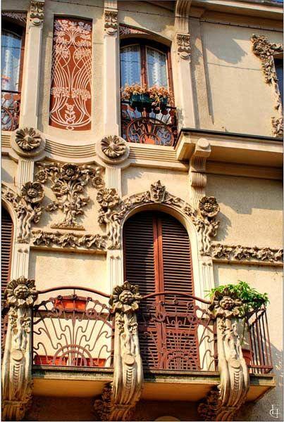 Torino, Casa Conte.  #Torino #Liberty