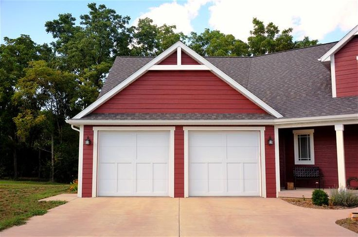 5300-garage-door-overhead - CHI garage doors, Want the carriage overlay with the X's