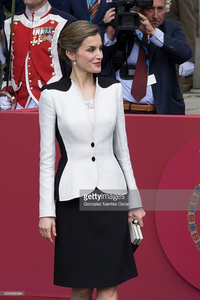 Queen Letizia of Spain attend the Armed Forces Day Hommage on May 28, 2016 in Madrid, Spain. (Photo by Gonzalez Fuentes Oscar/Corbis via Getty Images)