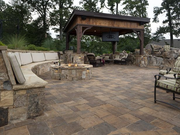 For This Extensive Outdoor Living Space Belgard 39 S Mega