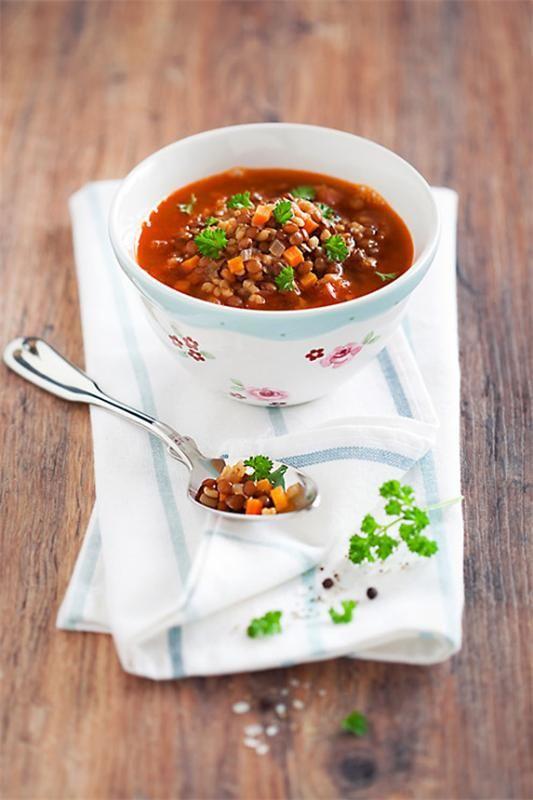 Турецкий суп невесты с чечевицей и булгуром Ezogelin çorbasi — густой и ароматный турецкий суп. Его называют также «турецкий свадебный суп» или «суп невесты». Такое название...