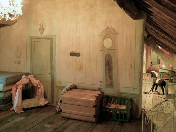 grenier aménagé en salle de jeux  Grenier / decor  Pinterest