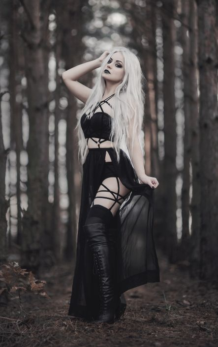 Gothic Ladies | Beauty | Fashion | Costume | Creativity | Couture | Culture |