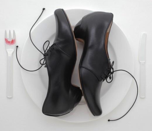 BUTY OD TRACEY NEULS na FUTU.PL  Nareszcie seksowne buty, które zniosą każdą ulewę – napisał o butach Tracey Neuls How to Spend It - lifestyle'owy magazyn będący częścią Financial Times.