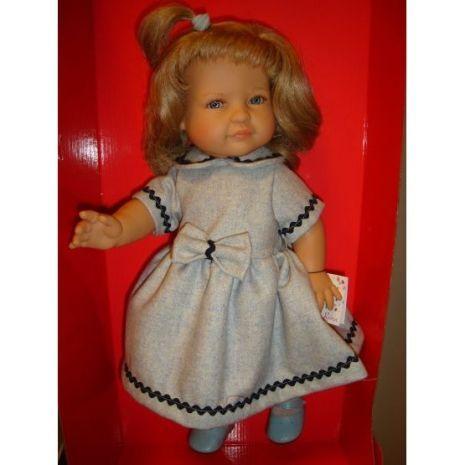 Leonor i klänning från Paola Reina