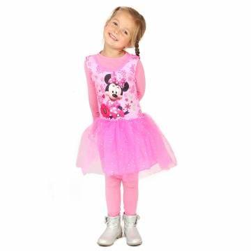 Met dit balletpakje van Disney's Minnie Mouse ben je net zo mooi als Minnie! Trek het kostuum aan naar ballet, gym of wanneer je de avonturen van Minnie Mouse naspeelt. De roze top van de jurk heeft een opdruk van Minnie Mouse en vrolijke bloemen. De tutu is roze en heeft sprankelende glitters. Je bent net een echte prinses! Het kostuum is gemaakt van 100% polyester en is wasbaar op 30 °C.