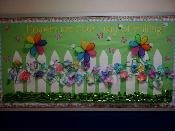 This is the March Bulletin Board my teaching assistant (and friend) created for our elementary hall.  Isn't it gorgeous? Love it :)