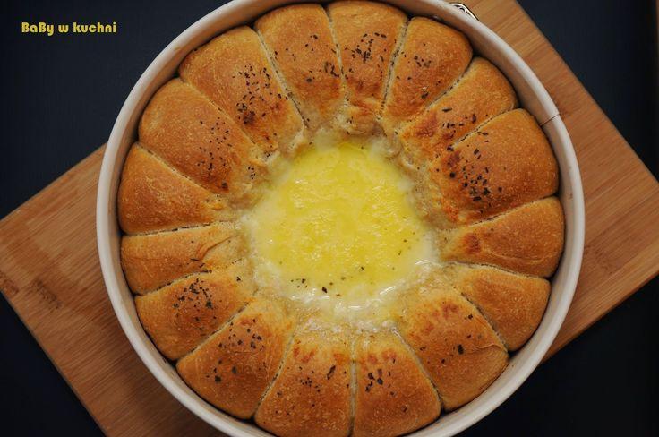 BaBy w kuchni: Mini-bułeczki z dipem serowym