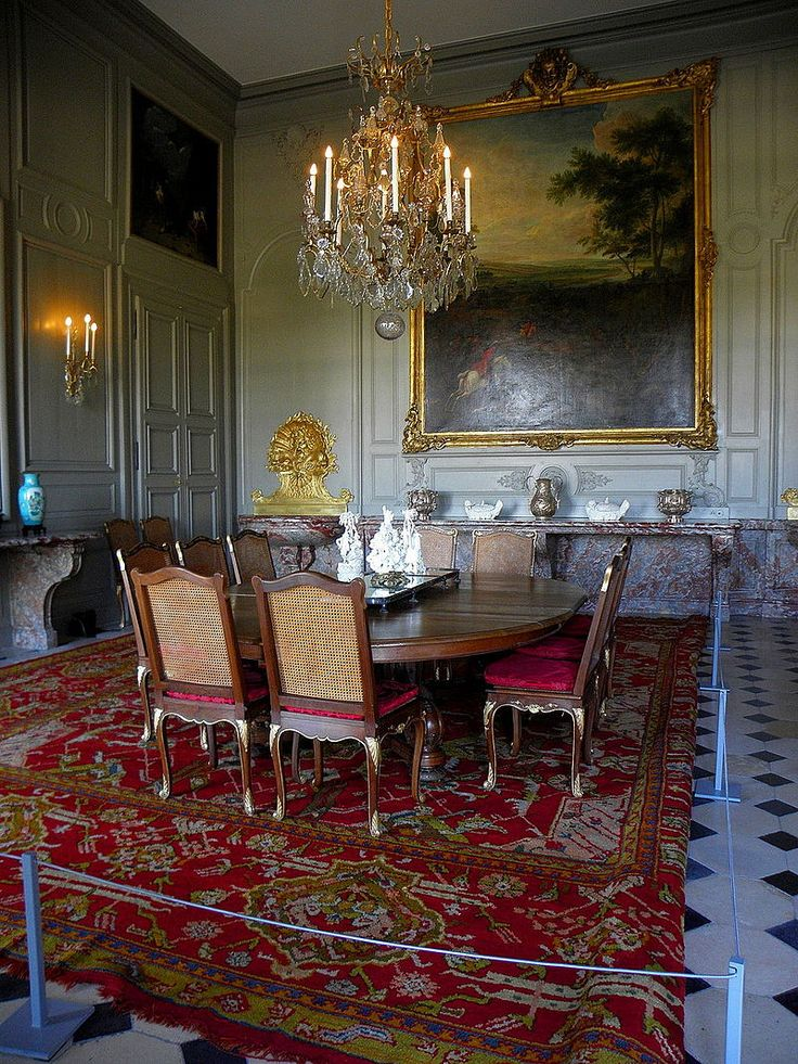 2224 best dining table images on pinterest house for Chateau d ax table de salle a manger