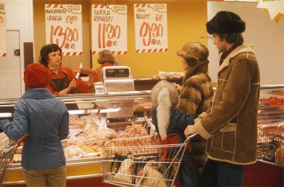 Palana vai siivutettuna? Mitä lihatiskistä ostettiin vuonna 1979? Kuva: H. Seppänen, YLE Kuvapalvelu