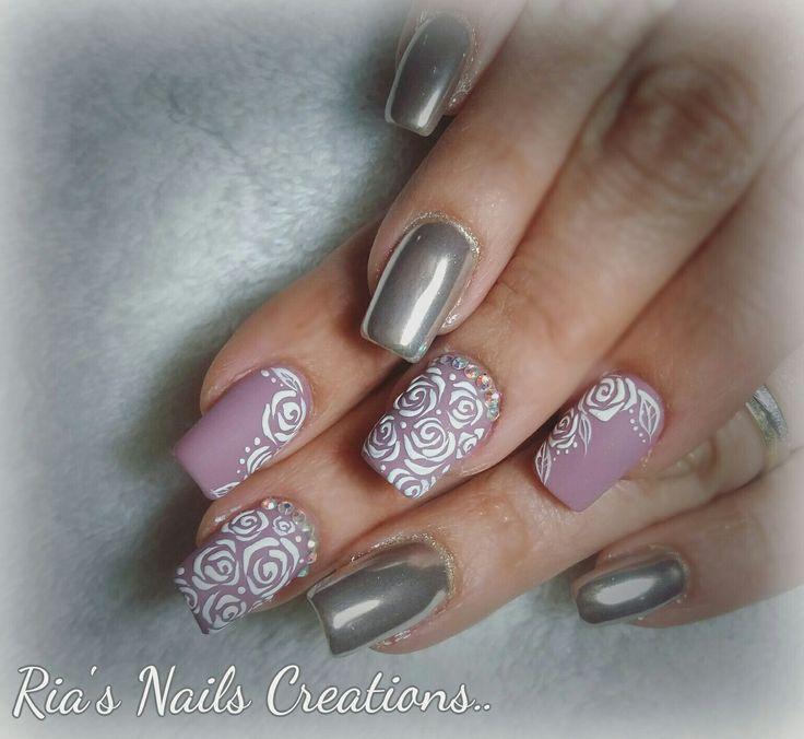 Mirror and roses nail art