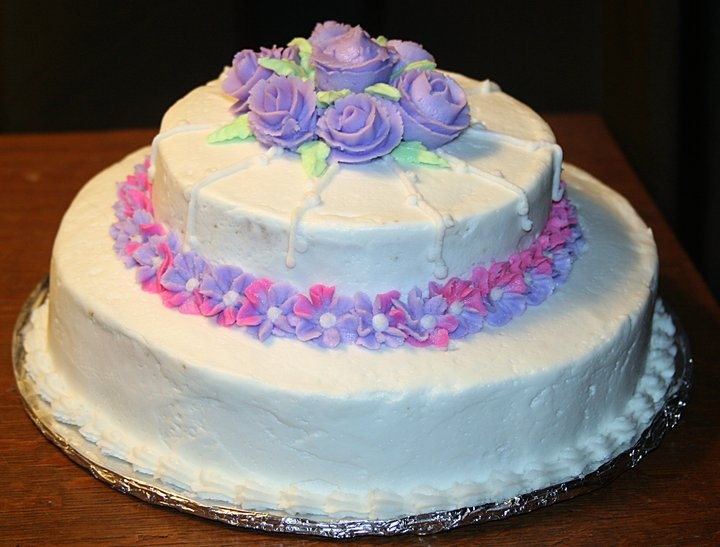 1000+ images about Cakes : Royal Icing Flowers and ...