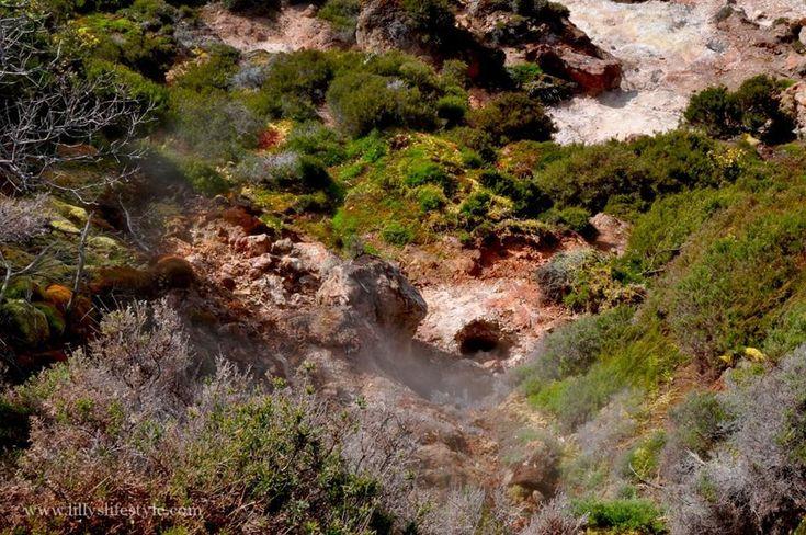 #azzorre #azores #terceira #travel #furnas #solfatara https://lillyslifestyle.com/2016/05/05/visitando-la-solfatara-dellisola-terceira-azzorre/