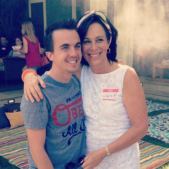 """<b>Frankie Muniz <a href=""""http://go.redirectingat.com?id=74679X1524629&sref=https%3A%2F%2Fwww.buzzfeed.com%2Fmjs538%2Fmalcolm-in-the-middle-cast-reunited&url=https%3A%2F%2Ftwitter.com%2Ffrankiemuniz&xcust=1779039%7CBFLITE&xs=1"""" target=""""_blank"""">says</a> this is the first time they were together in over 6 years.</b> Look at Dewey!"""