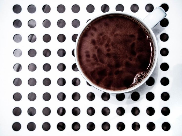 🌐 circles - new photo at Avopix.com    ➡ https://avopix.com/photo/25609-circles    #theme-minimalism #circles #cup #coffee #evening #avopix #free #photos #public #domain