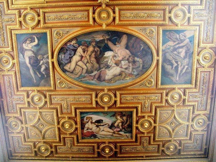 Der Architekt Theophol Hansen hinterließ eindrucksvolle Spuren in Wien. Neben dem Parlament ist auch die Akademie der Bildenden Künste zugänglich und sehenswert.
