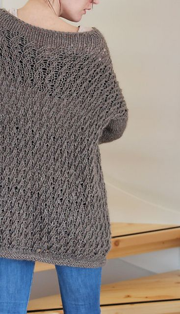 Baggy Wave sweater pattern (knit) - Free Pattern. I really want to make this for myself!!!!