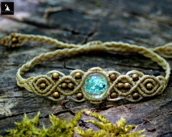 Beige glow macrame bracelet