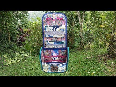 Oi pessoal finalmente consegui editar o vídeo pap da FRASQUEIRA DA SAMI Uma frasqueira grande para guardar todos seus itens de banheiro! Com alta capacidade ...