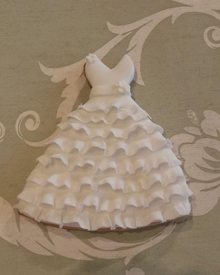Gorgeous wedding dress cookie