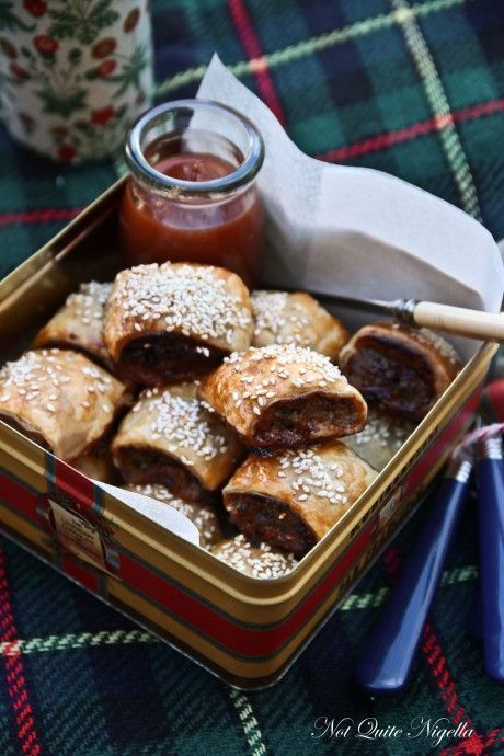 blue cheese and caramelised onion sausage rolls