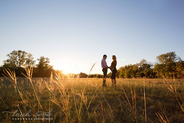 easy tips for creating better maternity photos by Leah Cook | CMblog