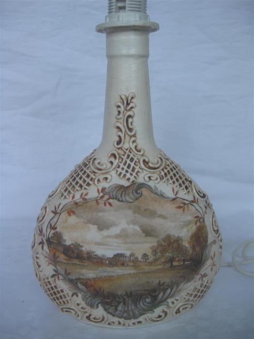 Galeria decoupage: lampa z widoczkiem i reliefami