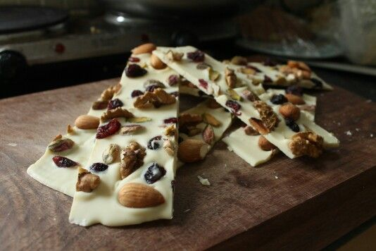 White chocolate with pistachios, almonds, walnuts and dryed cranberrys