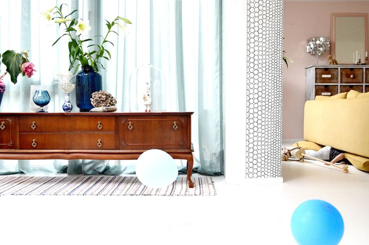 FRIVOLE: ★ New wallpaper, why this wall, tips and tricks about wallpaper. Over behang, tips en waarom juist deze wand?