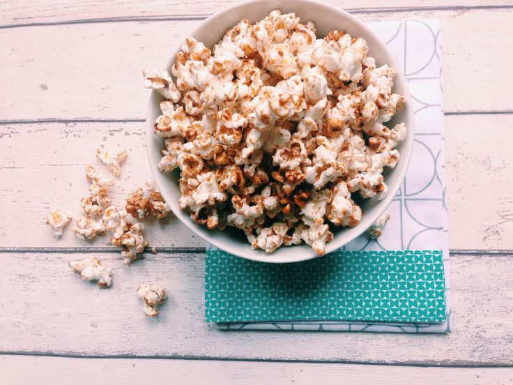 Salty caramel popcorn met kokosnootbloesem nectar en kokosolie
