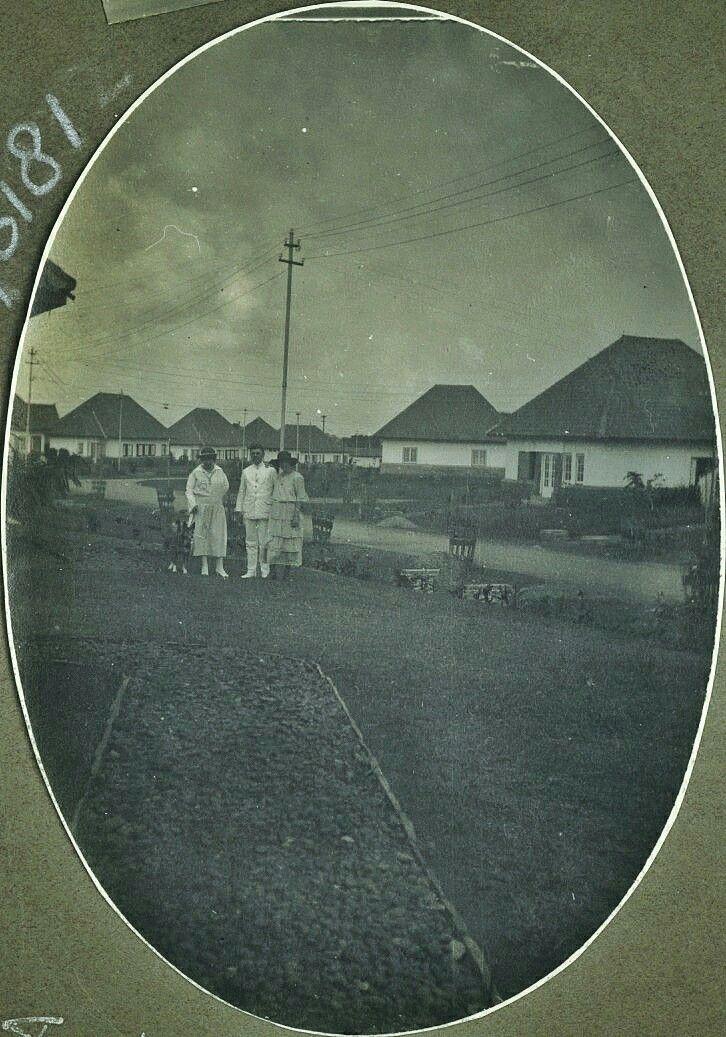 Frisiastraat in Bandoeng. 1918 Sekarang Jl. Tirtayasa Bandung.