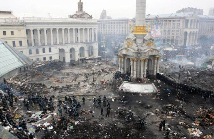 A #Kiev è #guerra civile, decine di vittime e la condanna dell'#Europa