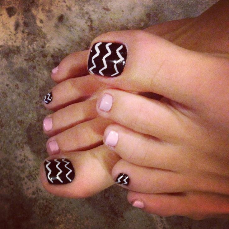 Chevron Pedicure :).   Cute