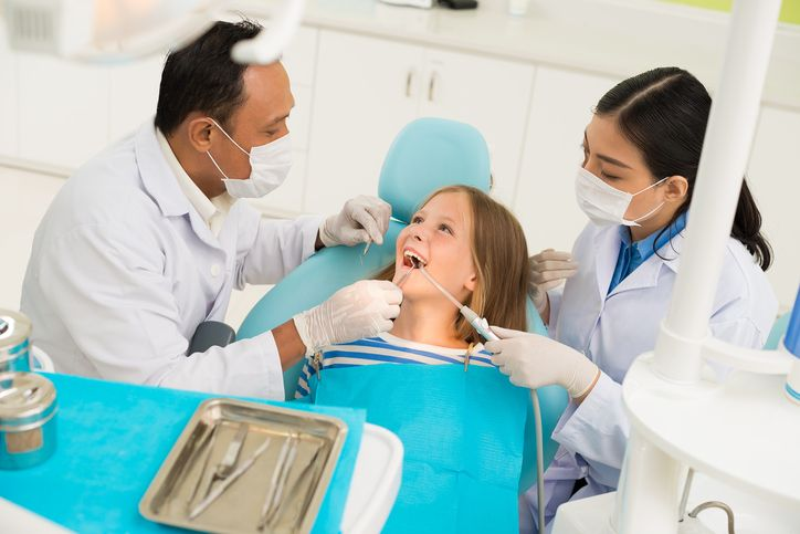 Want to Become a Dental Assistant? 3 Tips for Working with Pediatric Patients