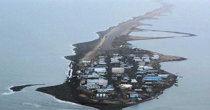 Το νησί που το «τρώει» ο ωκεανός! Απομάκρυναν μέχρι και τους τάφους.