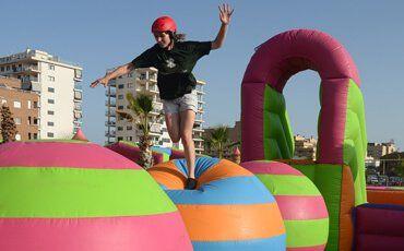 Vacaciones en hoteles para niños todo incluido en Marina d'Or. Parques temáticos y de atracciones. Ofertas vacaciones familiares ¡Viajar con niños! ¡Reserva ya!
