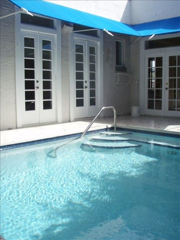 2014 Special Pricing Hemingway Style Cottage/Tropical PoolVacation Rental  In Key West From